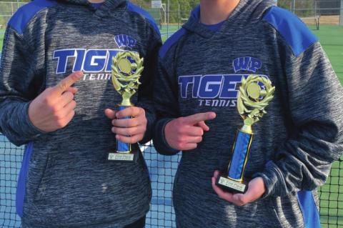 Tennis competes at Jacksonville Tourney
