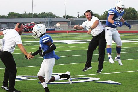 Big plays carry Terrell past Wills Point