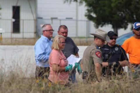 Workers find dead body