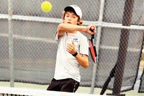Tennis adds Area, Regional Quarterfinalist crowns