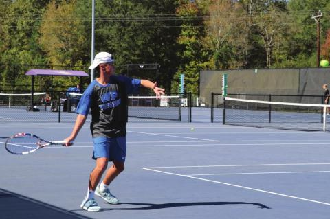 Tennis finishes fall in Regional Finals