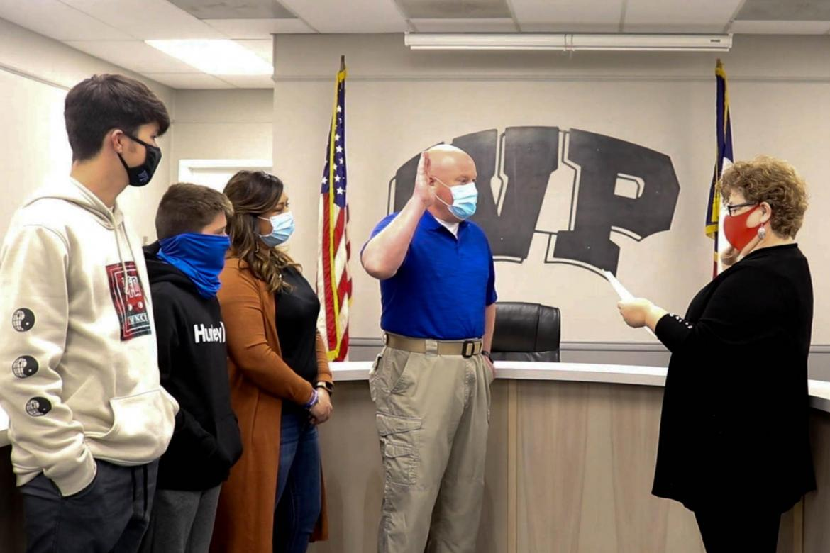 DISTRICT SWEARS IN NEW CHIEF